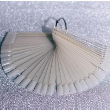 Типсы молочные стандартные на кольце (50 шт.)